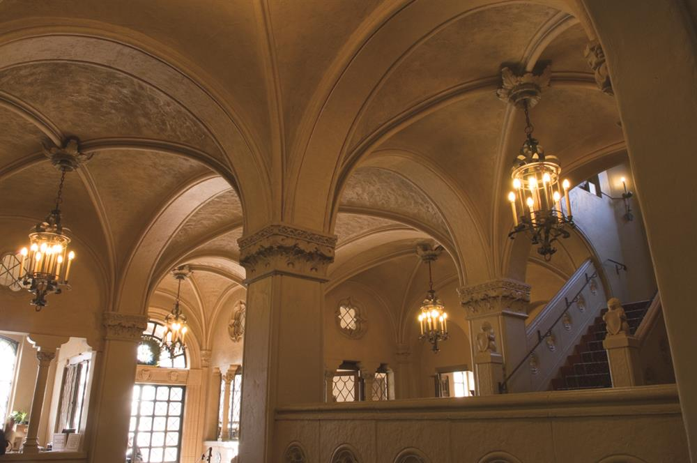 Lobby and Crown Moulding
